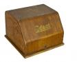 Maszyna do pisania w futerale drewnianym