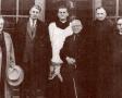Ks. Woźny w otoczeniu Rady Parafialnej - 1951