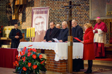 Rozpoczęcie-procesu-beatyfikacyjnego-ks.-A.-Woźnego-07-fot.-Max-Magowski